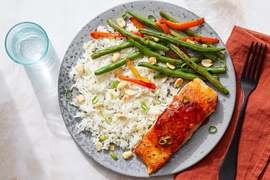 Sweet & Spicy Salmon with Green Beans, Sweet Peppers & Brown Rice