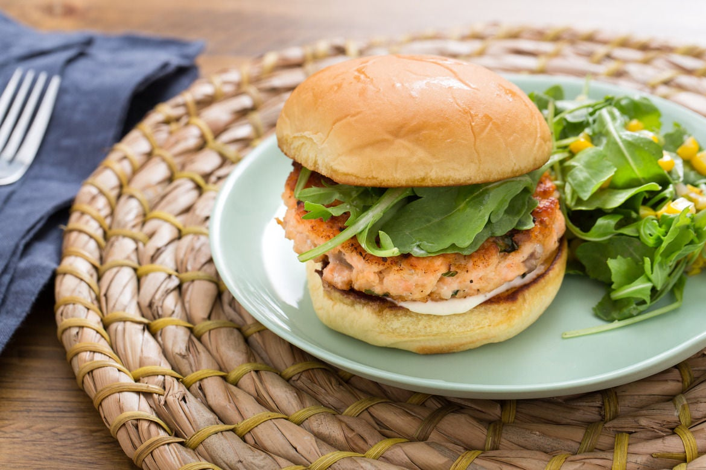 Blue apron olive oil - Salmon Burgers Aioli With Corn Arugula Fresh Oregano