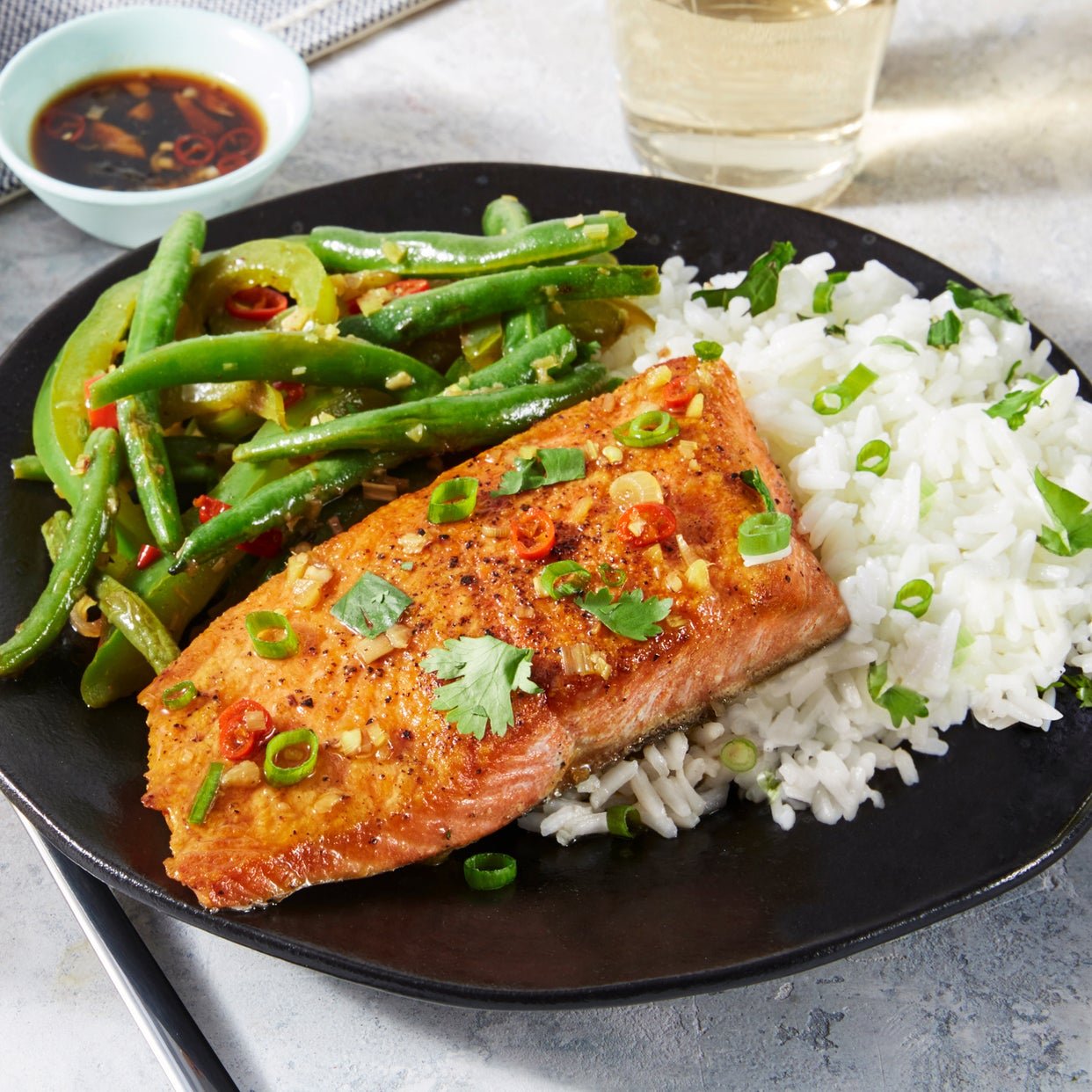 Spicy Lemongrass Salmon with Green Beans & Herb Rice