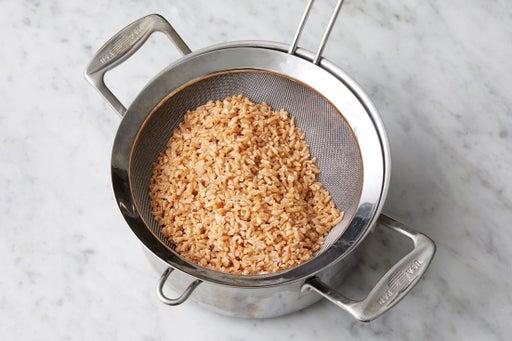 Cook the farro
