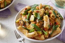 Fresh Rigatoni & Sun-Dried Tomato Pesto with Green Beans & Summer Squash