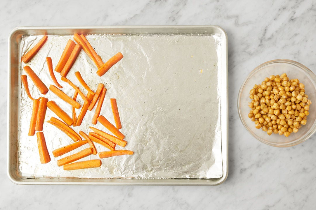 Roast the carrots & chickpeas: