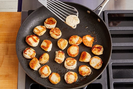 Prepare & cook the scallops
