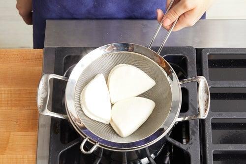 Steam the buns