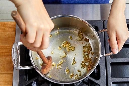Make the garlic oil