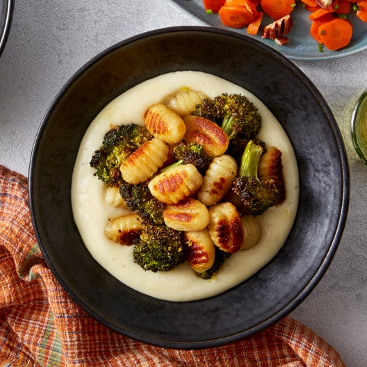 Crispy Gnocchi & Fontina Cheese Sauce with Roasted Broccoli & Honey-Lemon Carrots