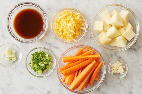 Prepare the ingredients & start the steak sauce: