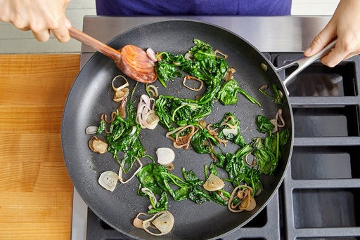 Cook the spinach & shallot