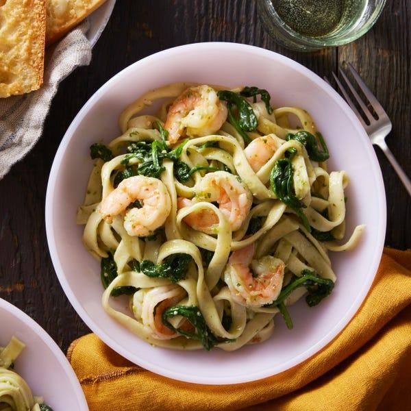 Shrimp & Pesto Fettuccine with Cheesy Garlic Bread