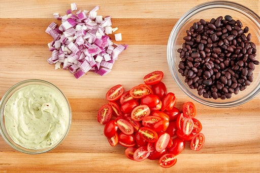 Prepare the ingredients & make the creamy guacamole
