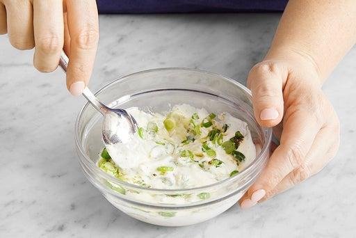 Make the scallion yogurt