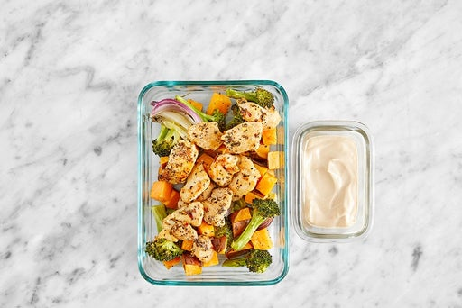 Assemble & Store the Mediterranean Chicken & Arugula Salad