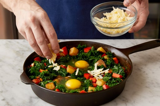 Add the eggs & bake the hash: