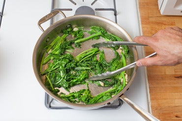Cook the garlic & broccoli rabe: