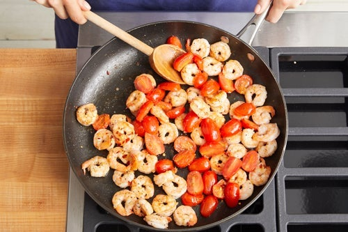 Cook the shrimp & tomatoes