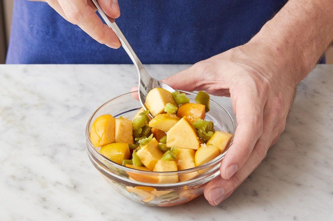 Marinate the persimmon: