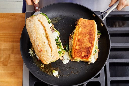 Cook the tortas & serve your dish