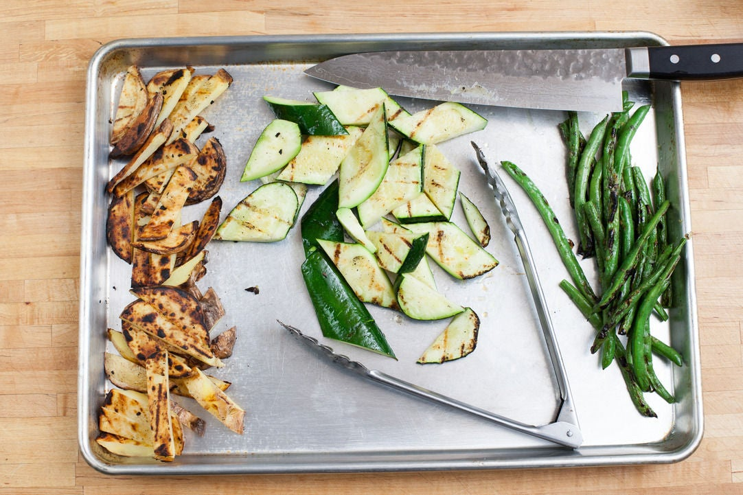 Cut the grilled vegetables: