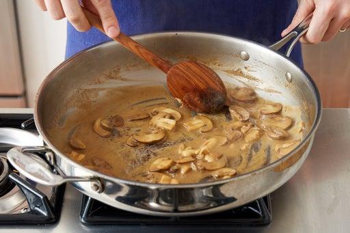 Make the mushroom sauce:
