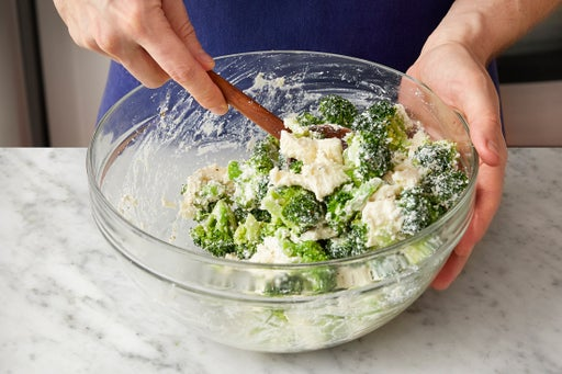 Cook the broccoli & make the filling: