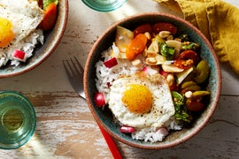 Sweet & Sour Vegetable Stir-Fry with Fried Eggs & Peanuts