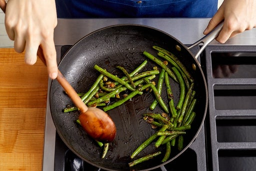 Blanch & finish the green beans