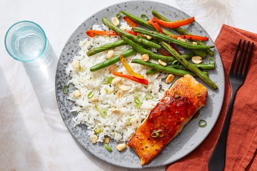 Sweet & Spicy Salmon with Green Beans, Bell Pepper & White Rice