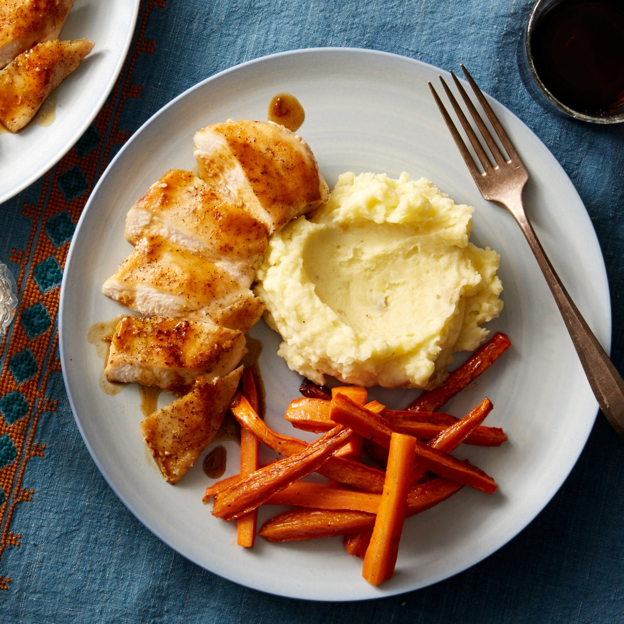 Seared Chicken & Mashed Potatoes with Maple-Glazed Carrots