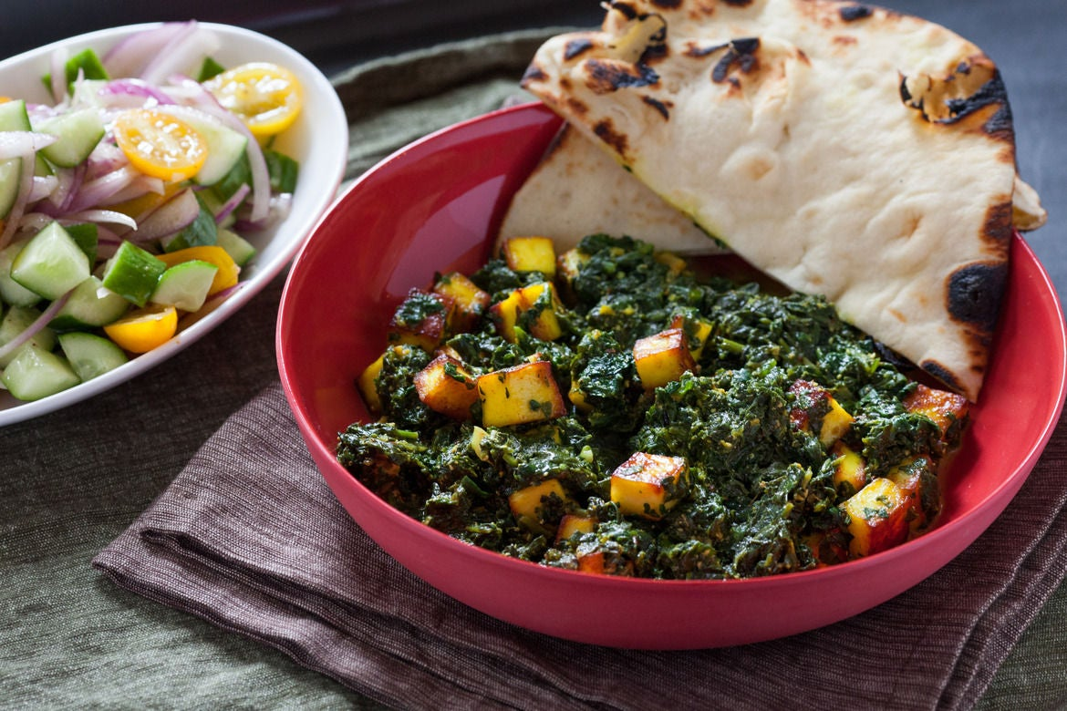 Palak Paneer with Naan Bread & Kachumber Salad