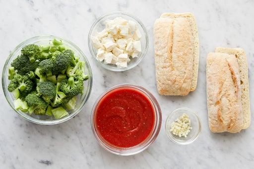Prepare the ingredients & season the sauce: