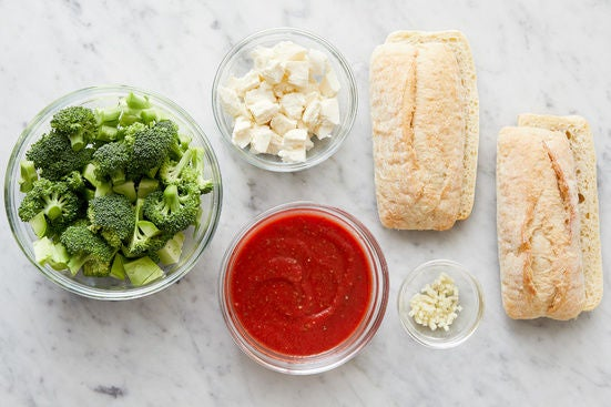 Prepare the ingredients & season the sauce:
