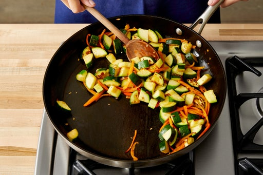Cook the vegetables & finish the pasta:
