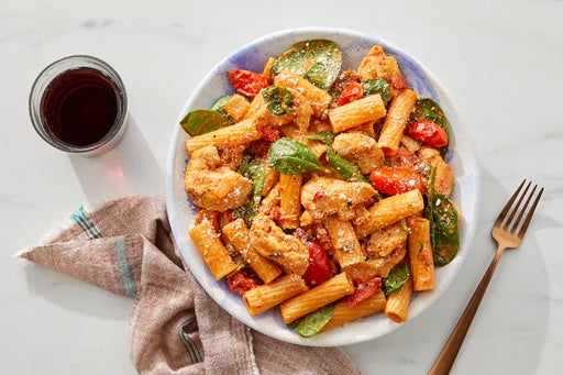 Creamy Chicken, Spinach & Tomato Pasta with Capers & Parmesan