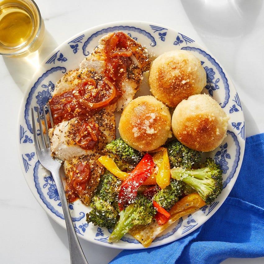 Italian Chicken & Tomato-Glazed Onion with Garlic Rolls & Roasted Vegetables