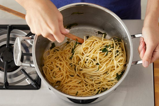 Finish the spaghetti & serve your dish:
