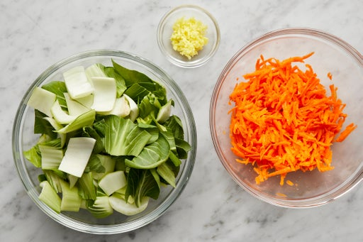Prepare the ingredients & marinate the carrots: