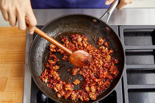 Cook the pork & sauce