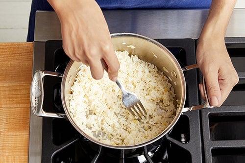 Make the garlic-ginger rice
