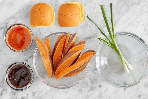 Prepare the ingredients & make the gochujang mayo