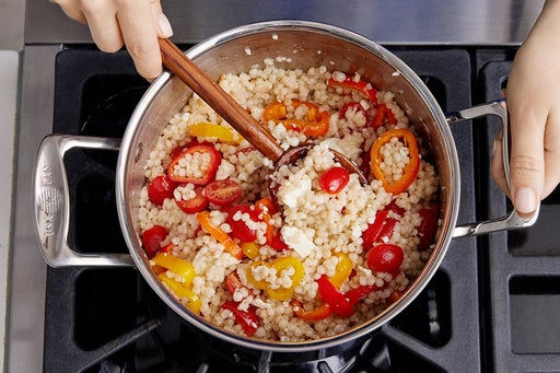 Finish the couscous & serve your dish