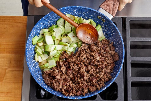 Cook the beef, bok choy & sauce