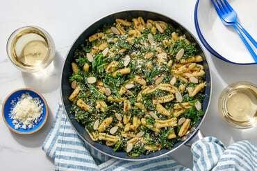 Pesto & Kale Pasta with Almonds