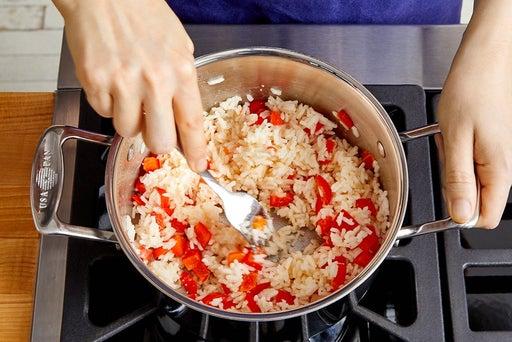 Make the pepper rice