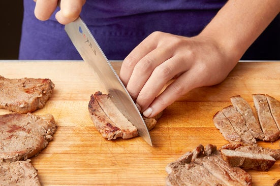 Slice the beef & serve your dish: