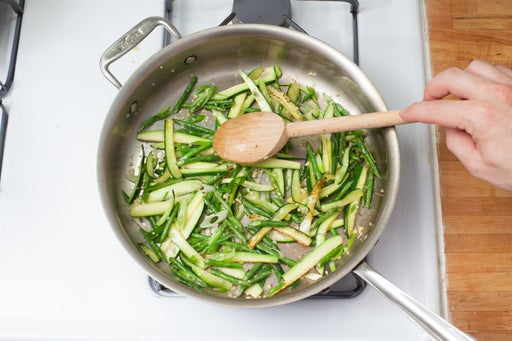 Cook the vegetables & finish the noodles:
