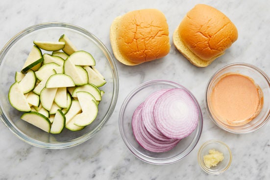 Prepare the ingredients & make the harissa mayo: