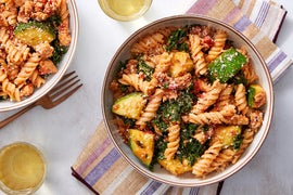 Chicken Ragù & Fusilli Pasta with Oregano & Kale