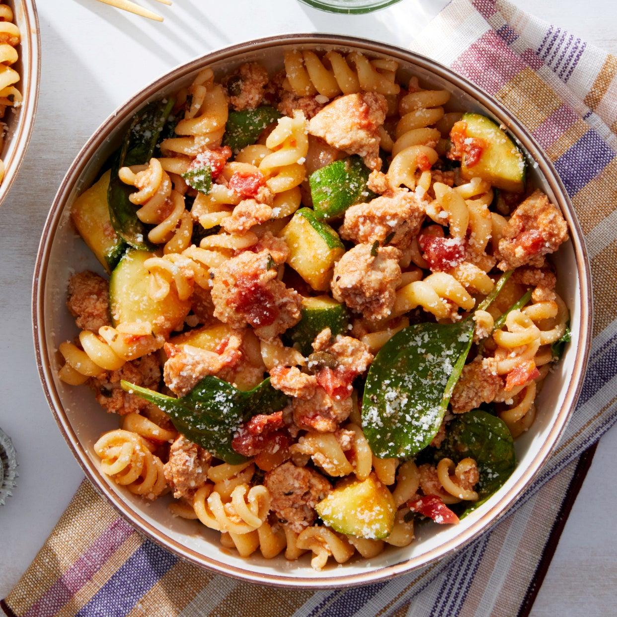 Chicken Ragu & Fusilli Pasta with Oregano & Spinach