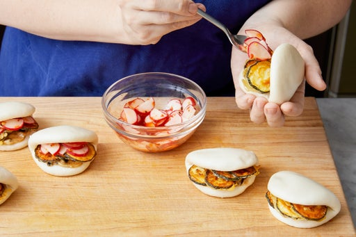 Assemble the bao & serve your dish: