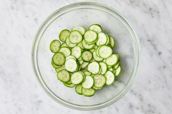 Marinate the cucumbers: